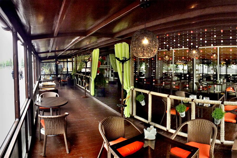 Открытие новой летней террасы в Cafe Teplo
